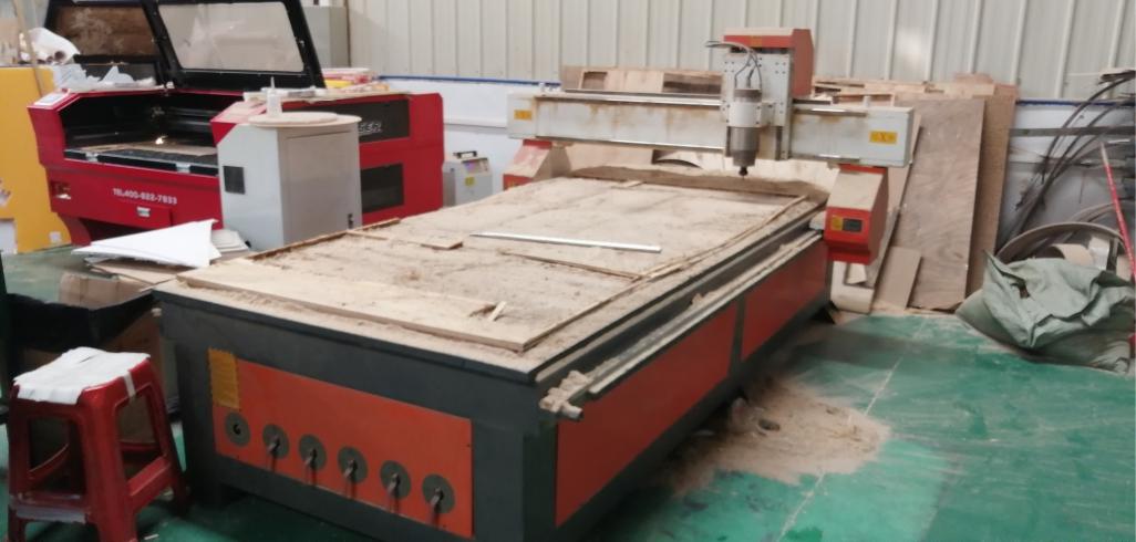 数控木板雕刻车间